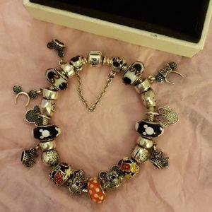 Pandora Disney's theme bracelet